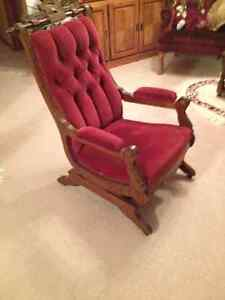ROCKING CHAIR - ANTIQUE from the 1920s
