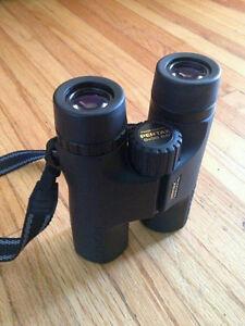 Pentax 8x36 DCF HS Binocular (Black)