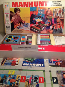 Vintage-1972 MANHUNT  Electric Detective Game