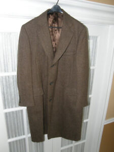 MEN'S SIZE LARGE (SIZE 42) LEATHER COAT BY SAMUELSOHN