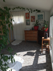 Short Term Rental Rooms Available - Furnished$600.00