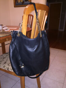 Authentic Michael Kors messenger bag/tote/purse