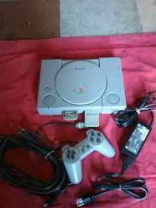 Sony PlayStation1 +(2 memory cards+ 1 controller +all need cords