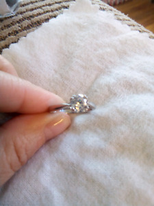 Designer sterling silver 1ct cz ring size 6