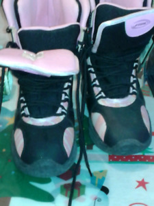 Brand new snowboard boots girls youth