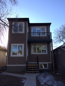 Beautiful 2 Bedroom Suite - A Must See Close to Downtown!