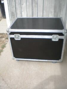 TWO  FLIGHT CASE'S  FOR SALE