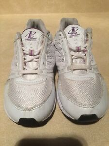 Women's Reebok Athletic Running Shoes Size 7 London Ontario image 5
