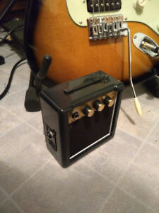 Amplificateur de guitare    Batterie 9 volts neuve inclut