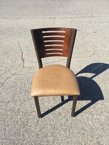 Chaise de restaurant USAGÉ!  LIQUIDATION