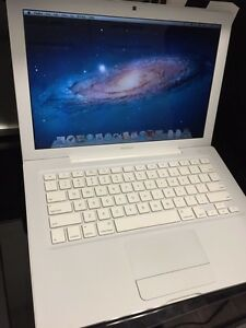Macbook White
