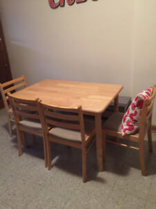 Kitchen dining table + 4 chairs set (Light wood)