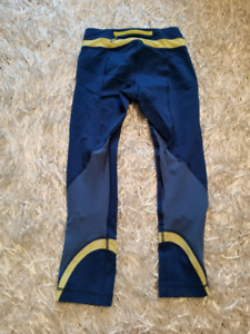 Lululemon crops size 2 Blue and yellow