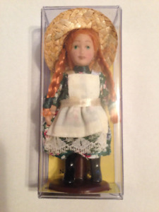 """Heritage Collection Anne of Green Gables 3"""" Porcelain Doll"""