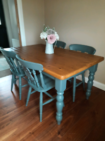 Beautiful Farmhouse table and 4 chairs