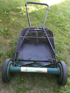 Manual reel push mower