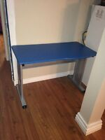giving away blue computer desk/Table