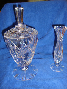 CRYSTAL URN WITH LID AND FLOWER VASE