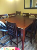 Table and chair set. Pub height and 8 chairs
