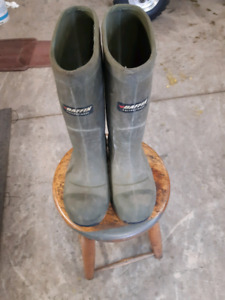 Baffin thermal steel toe rubber boots
