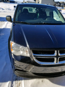 2014 Dodge Caravan SXT/ DVD/Navigation/Back up Camera