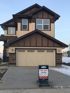 MOVE IN TODAY Brand New Home in Cy Becker - Northeast Edmonton