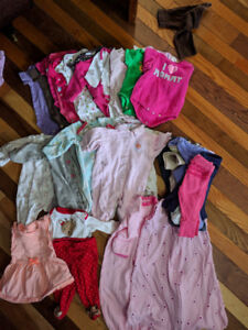 Alot of newborn baby girl clothes