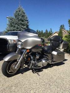 2007 Harley Davidson FLHX for Sale