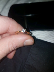 14k gold promise ring with heart shaped diamond