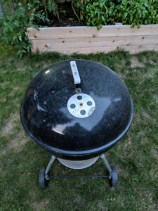 Weber Original Kettle 22Inch Charcoal Barbecue