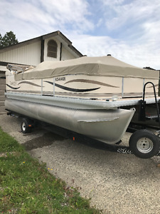 Family Fun in a 2005 Tuscany 22 Foot Pontoon Boat with  trailer