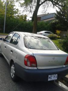 Toyota Echo 2002 gris