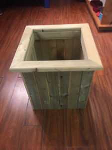 Solid and Attractive Wooden Planter