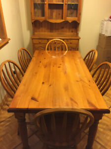 Kitchen dining set with 6 chairs and hutch