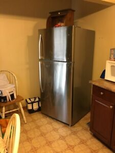 18 Cu.Ft. Top Freezer/Refrigerator
