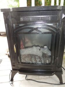 SMALL ELECTRIC FREE STANDING STOVE