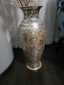 Gold Mosaic vase from pier imports