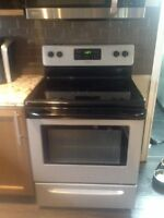 Frigidaire stove *GREAT CONDITION*