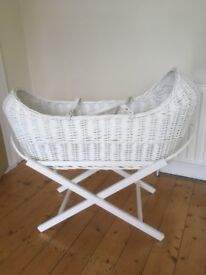 White Wicker Moses Basket - (newborn baby to approx 6 months)