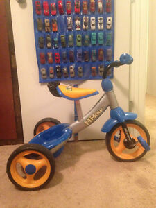 Toddle tricycle
