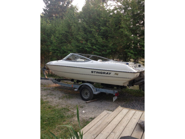 Used 2004 Stingray Boat Co 180 RX
