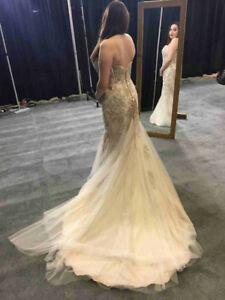 WEDDING GOWN LIKE NEW