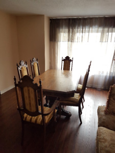 Dining table with 6 chairs !!!