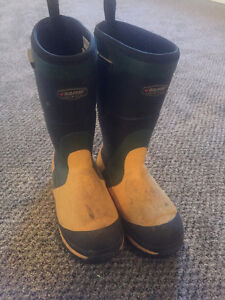 Baffin cold weather boot...
