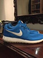 Nike roshe run size 11 great condition