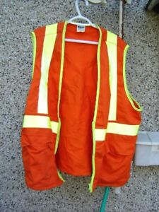 orange hunting safety vest, great condition, sixe XL