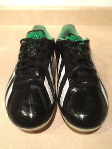 Adidas F5 Outdoor Soccer Cleats Size 6 London Ontario image 7