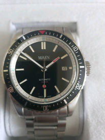 Beautiful Maen swiss made gents Hudson 42mm divers watch.