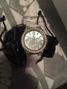 Selling like new Guess watch