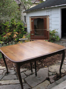 Antique Solid Oak Dining Set - Krug Brothers
